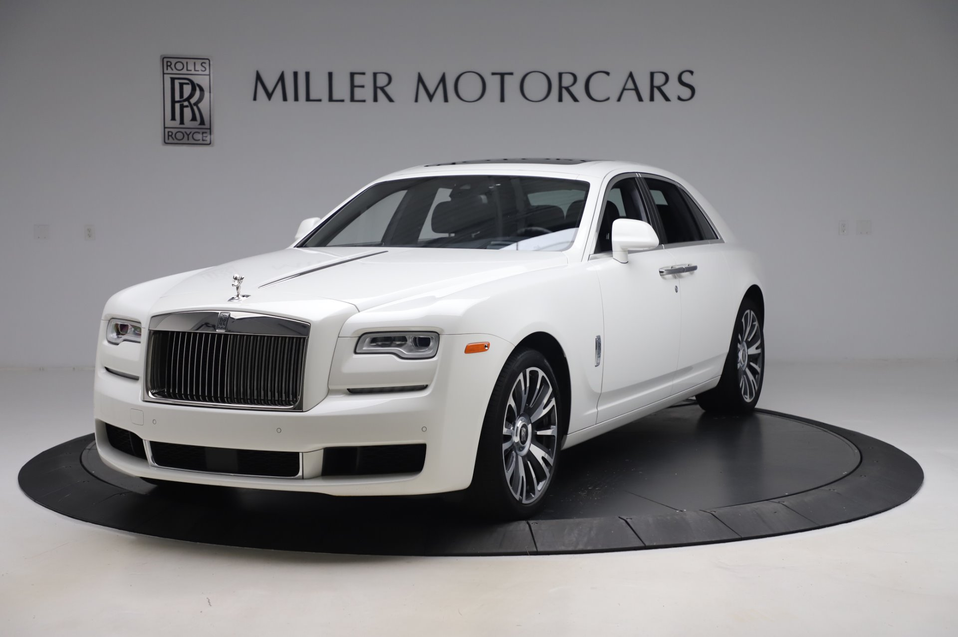 Used 2018 Rolls-Royce Ghost for sale $247,900 at Rolls-Royce Motor Cars Greenwich in Greenwich CT 06830 1