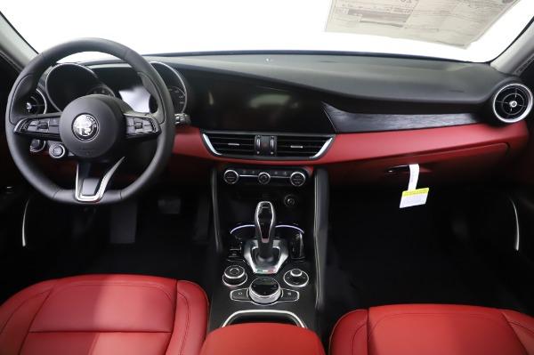 New 2020 Alfa Romeo Giulia Q4 for sale $48,445 at Rolls-Royce Motor Cars Greenwich in Greenwich CT 06830 16