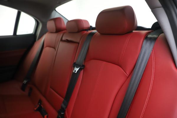 New 2020 Alfa Romeo Giulia Q4 for sale $48,445 at Rolls-Royce Motor Cars Greenwich in Greenwich CT 06830 18
