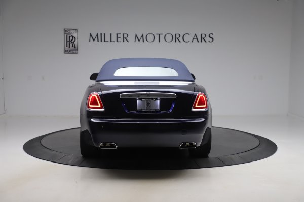 Used 2017 Rolls-Royce Dawn Base for sale $248,900 at Rolls-Royce Motor Cars Greenwich in Greenwich CT 06830 16