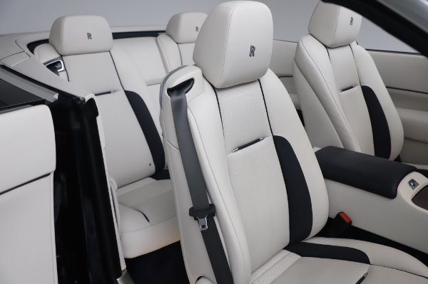 Used 2017 Rolls-Royce Dawn for sale $248,900 at Rolls-Royce Motor Cars Greenwich in Greenwich CT 06830 22