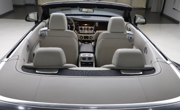 Used 2017 Rolls-Royce Dawn for sale $248,900 at Rolls-Royce Motor Cars Greenwich in Greenwich CT 06830 26