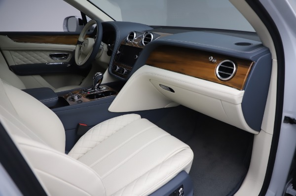 New 2020 Bentley Bentayga Hybrid for sale $226,695 at Rolls-Royce Motor Cars Greenwich in Greenwich CT 06830 26