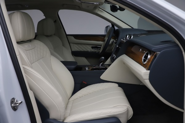 Used 2020 Bentley Bentayga Hybrid for sale $185,900 at Rolls-Royce Motor Cars Greenwich in Greenwich CT 06830 27