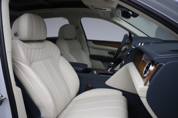 Used 2020 Bentley Bentayga Hybrid for sale $185,900 at Rolls-Royce Motor Cars Greenwich in Greenwich CT 06830 28