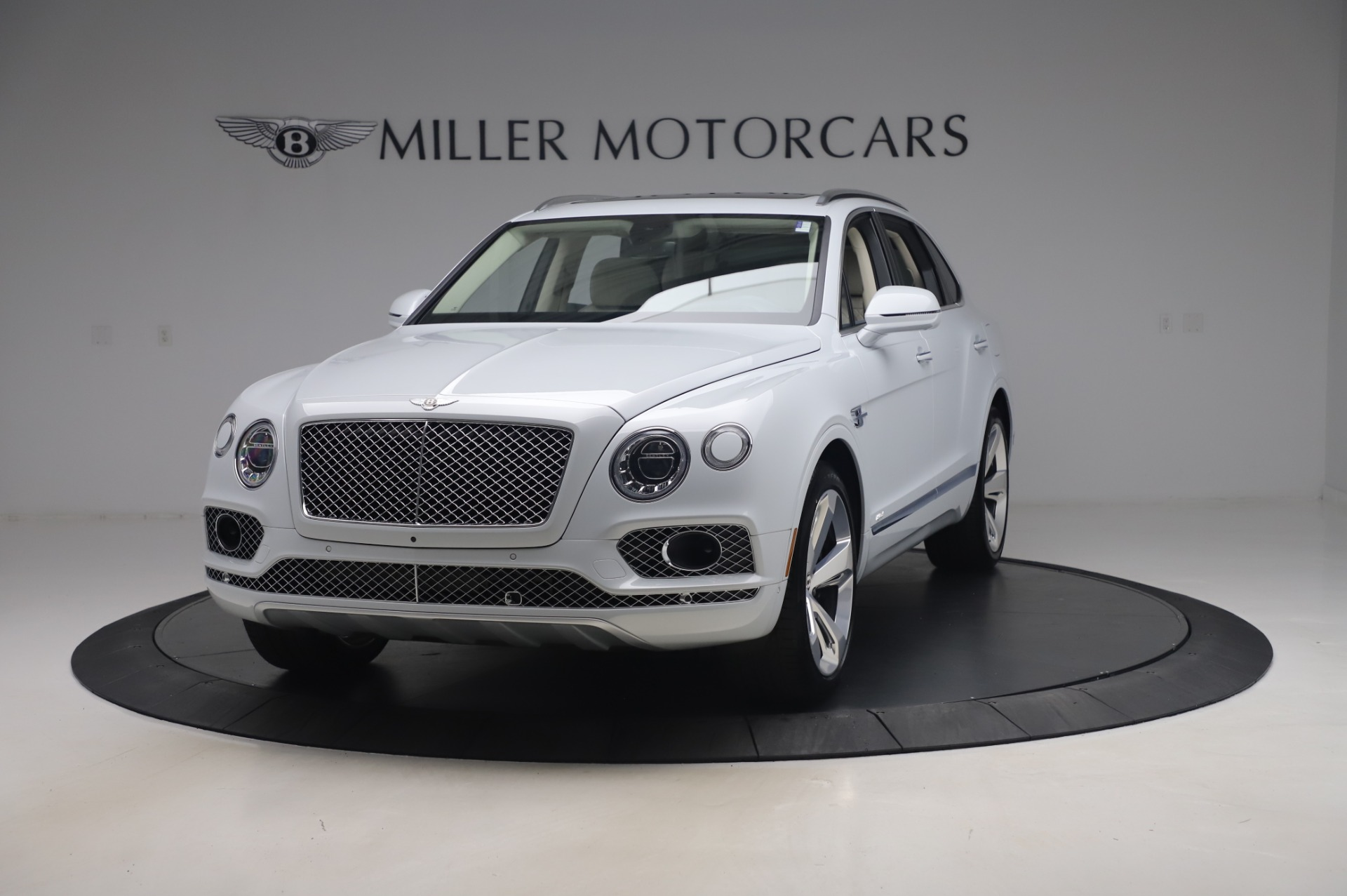 Used 2020 Bentley Bentayga Hybrid for sale $185,900 at Rolls-Royce Motor Cars Greenwich in Greenwich CT 06830 1
