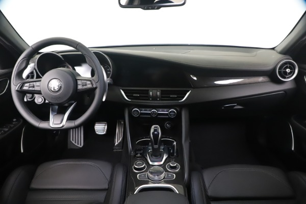 New 2020 Alfa Romeo Giulia Ti Sport Carbon Q4 for sale $51,640 at Rolls-Royce Motor Cars Greenwich in Greenwich CT 06830 16