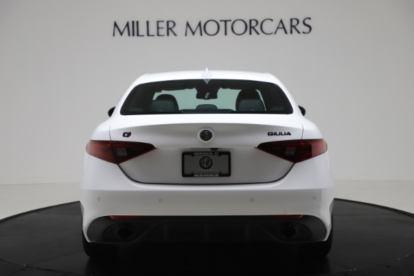 New 2020 Alfa Romeo Giulia Ti Sport Carbon Q4 for sale $51,640 at Rolls-Royce Motor Cars Greenwich in Greenwich CT 06830 6