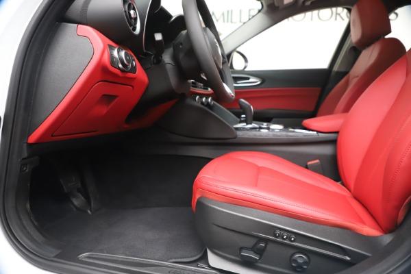 New 2020 Alfa Romeo Giulia Q4 for sale $44,845 at Rolls-Royce Motor Cars Greenwich in Greenwich CT 06830 14