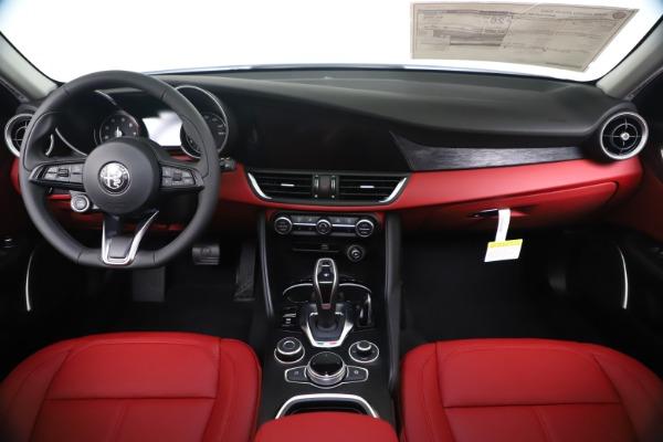 New 2020 Alfa Romeo Giulia Q4 for sale $44,845 at Rolls-Royce Motor Cars Greenwich in Greenwich CT 06830 16