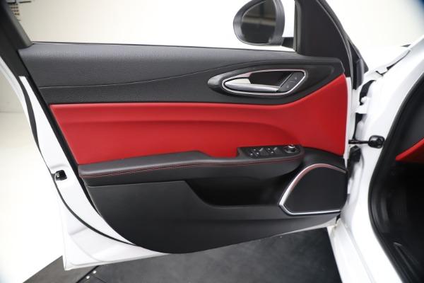 New 2020 Alfa Romeo Giulia Q4 for sale $44,845 at Rolls-Royce Motor Cars Greenwich in Greenwich CT 06830 17