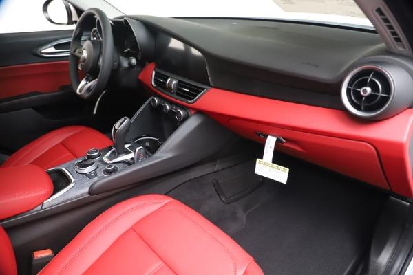 New 2020 Alfa Romeo Giulia Q4 for sale $44,845 at Rolls-Royce Motor Cars Greenwich in Greenwich CT 06830 22