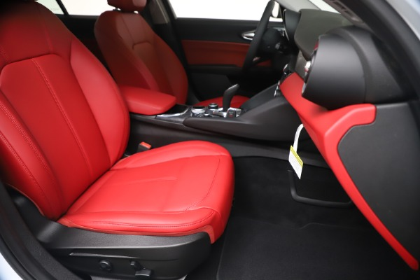 New 2020 Alfa Romeo Giulia Q4 for sale $44,845 at Rolls-Royce Motor Cars Greenwich in Greenwich CT 06830 24