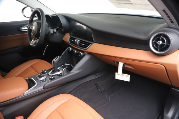 New 2020 Alfa Romeo Giulia Q4 for sale Sold at Rolls-Royce Motor Cars Greenwich in Greenwich CT 06830 22