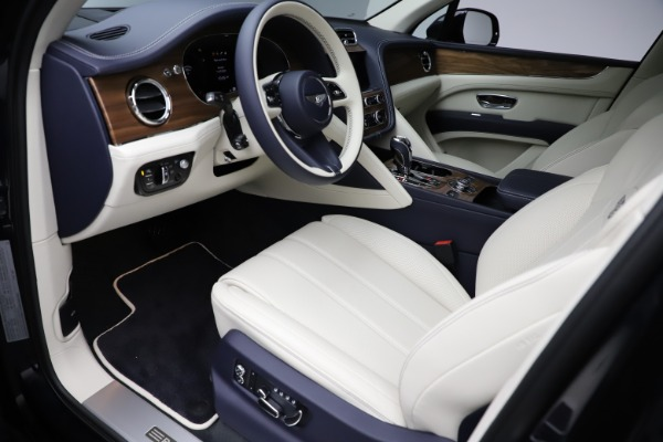 New 2021 Bentley Bentayga V8 for sale Sold at Rolls-Royce Motor Cars Greenwich in Greenwich CT 06830 19