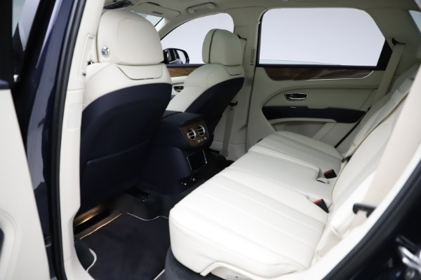 New 2021 Bentley Bentayga V8 for sale Sold at Rolls-Royce Motor Cars Greenwich in Greenwich CT 06830 23