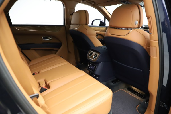 New 2021 Bentley Bentayga V8 for sale $203,205 at Rolls-Royce Motor Cars Greenwich in Greenwich CT 06830 28