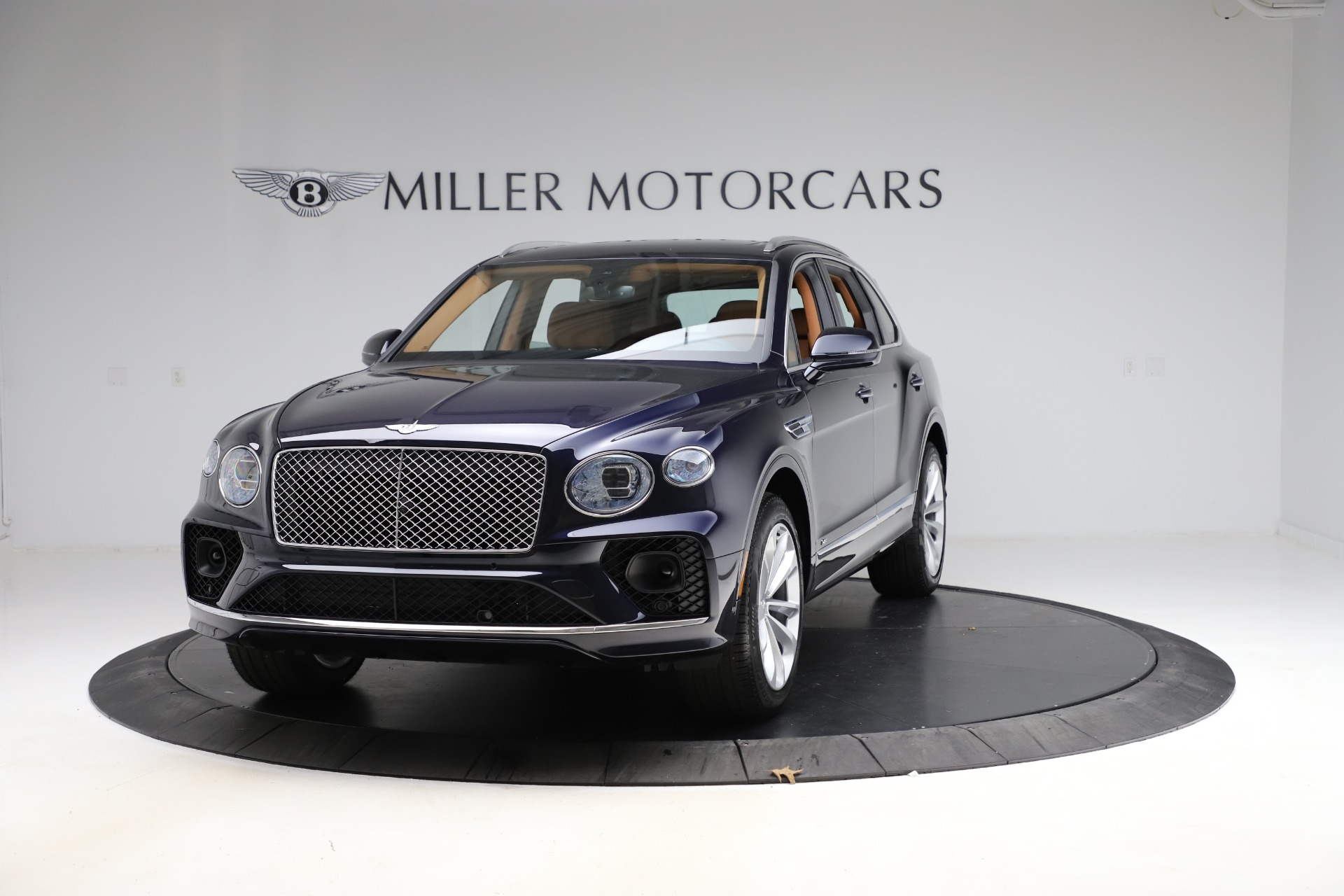 New 2021 Bentley Bentayga V8 for sale $203,205 at Rolls-Royce Motor Cars Greenwich in Greenwich CT 06830 1