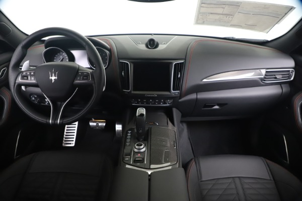 New 2020 Maserati Levante S Q4 GranSport for sale $102,985 at Rolls-Royce Motor Cars Greenwich in Greenwich CT 06830 16