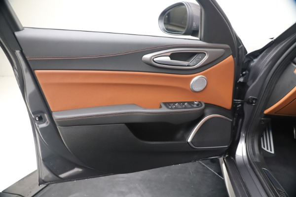 New 2020 Alfa Romeo Giulia Ti Sport Q4 for sale Sold at Rolls-Royce Motor Cars Greenwich in Greenwich CT 06830 17