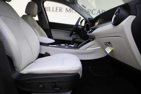 New 2020 Alfa Romeo Stelvio Ti Q4 for sale $52,895 at Rolls-Royce Motor Cars Greenwich in Greenwich CT 06830 23