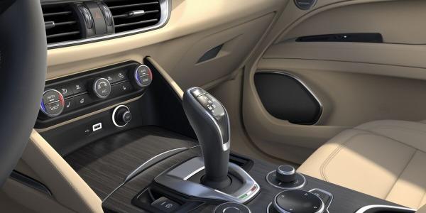New 2020 Alfa Romeo Stelvio Ti Lusso Q4 for sale $54,745 at Rolls-Royce Motor Cars Greenwich in Greenwich CT 06830 5