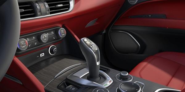 New 2020 Alfa Romeo Stelvio Ti Lusso Q4 for sale $54,145 at Rolls-Royce Motor Cars Greenwich in Greenwich CT 06830 5