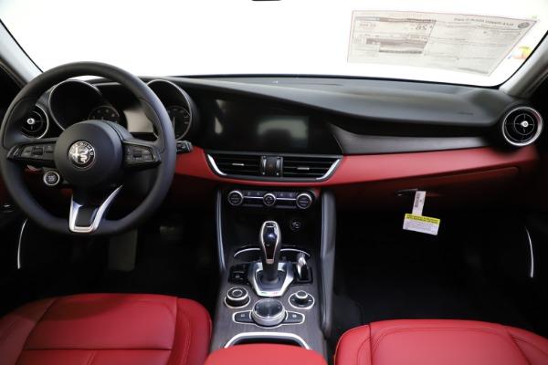 New 2020 Alfa Romeo Giulia Ti Q4 for sale Call for price at Rolls-Royce Motor Cars Greenwich in Greenwich CT 06830 17