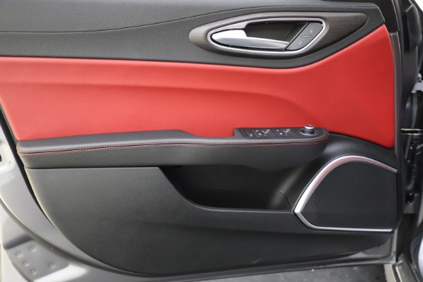 New 2020 Alfa Romeo Giulia Ti Q4 for sale Call for price at Rolls-Royce Motor Cars Greenwich in Greenwich CT 06830 18