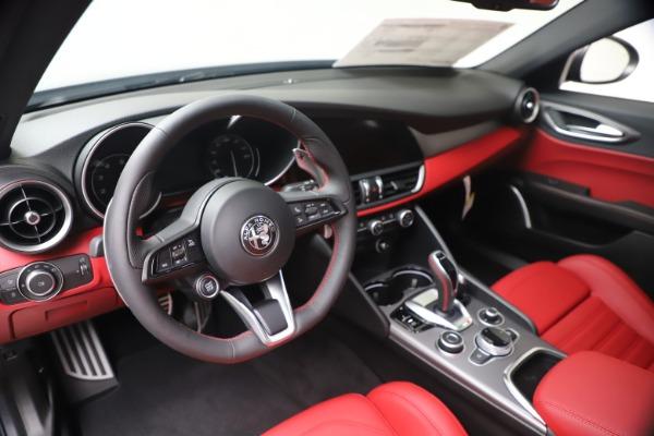 New 2020 Alfa Romeo Giulia Ti Sport Q4 for sale $51,095 at Rolls-Royce Motor Cars Greenwich in Greenwich CT 06830 13