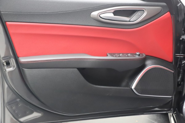New 2020 Alfa Romeo Giulia Ti Sport Q4 for sale $51,095 at Rolls-Royce Motor Cars Greenwich in Greenwich CT 06830 17