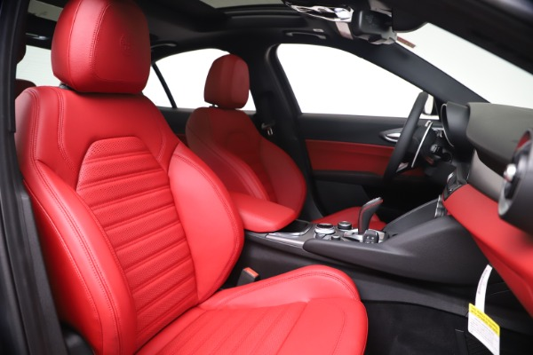 New 2020 Alfa Romeo Giulia Ti Sport Q4 for sale $51,095 at Rolls-Royce Motor Cars Greenwich in Greenwich CT 06830 22