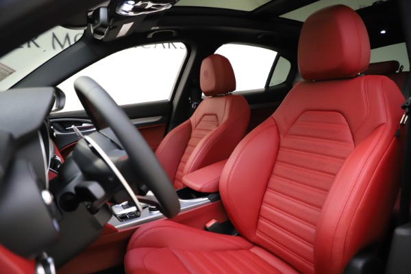 New 2020 Alfa Romeo Stelvio Ti Sport Q4 for sale $54,345 at Rolls-Royce Motor Cars Greenwich in Greenwich CT 06830 17