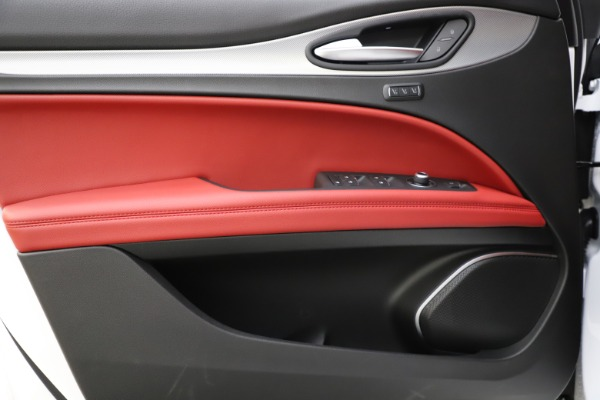 New 2020 Alfa Romeo Stelvio Ti Sport Q4 for sale $54,345 at Rolls-Royce Motor Cars Greenwich in Greenwich CT 06830 20