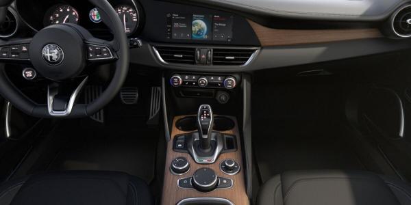 New 2020 Alfa Romeo Giulia Ti Lusso Q4 for sale $51,195 at Rolls-Royce Motor Cars Greenwich in Greenwich CT 06830 3