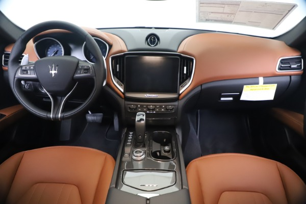New 2020 Maserati Ghibli S Q4 for sale $84,735 at Rolls-Royce Motor Cars Greenwich in Greenwich CT 06830 16