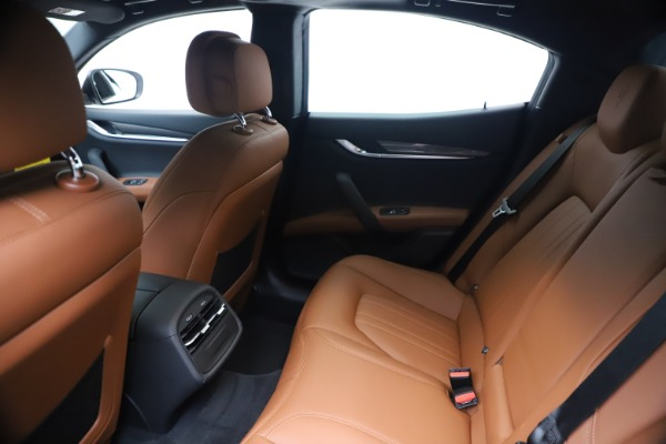 New 2020 Maserati Ghibli S Q4 for sale $69,750 at Rolls-Royce Motor Cars Greenwich in Greenwich CT 06830 19