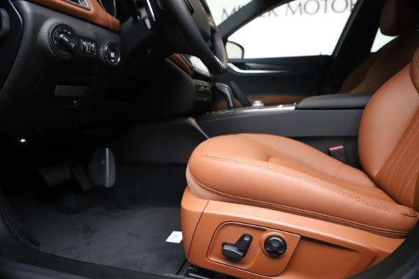 New 2020 Maserati Ghibli S Q4 for sale $87,285 at Rolls-Royce Motor Cars Greenwich in Greenwich CT 06830 14