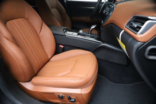 New 2020 Maserati Ghibli S Q4 for sale $87,285 at Rolls-Royce Motor Cars Greenwich in Greenwich CT 06830 24