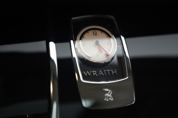 Used 2014 Rolls-Royce Wraith for sale $165,900 at Rolls-Royce Motor Cars Greenwich in Greenwich CT 06830 25