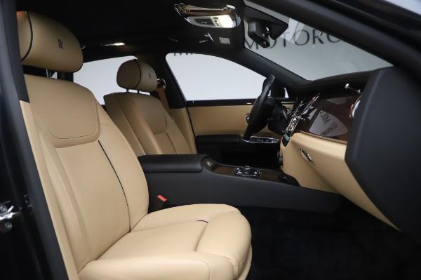 Used 2016 Rolls-Royce Ghost for sale $175,900 at Rolls-Royce Motor Cars Greenwich in Greenwich CT 06830 16