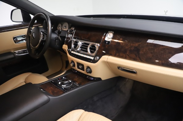 Used 2016 Rolls-Royce Ghost for sale $175,900 at Rolls-Royce Motor Cars Greenwich in Greenwich CT 06830 20