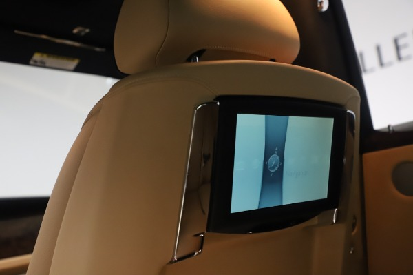 Used 2016 Rolls-Royce Ghost for sale $175,900 at Rolls-Royce Motor Cars Greenwich in Greenwich CT 06830 24