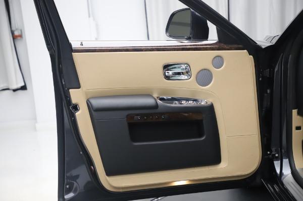 Used 2016 Rolls-Royce Ghost for sale $175,900 at Rolls-Royce Motor Cars Greenwich in Greenwich CT 06830 25