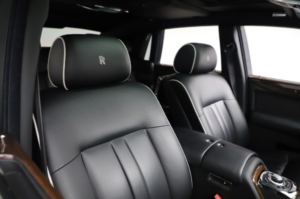 Used 2014 Rolls-Royce Phantom for sale $199,900 at Rolls-Royce Motor Cars Greenwich in Greenwich CT 06830 13