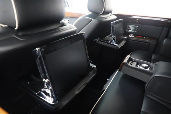 Used 2014 Rolls-Royce Phantom for sale $199,900 at Rolls-Royce Motor Cars Greenwich in Greenwich CT 06830 19