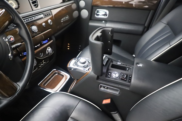 Used 2014 Rolls-Royce Phantom for sale $199,900 at Rolls-Royce Motor Cars Greenwich in Greenwich CT 06830 22