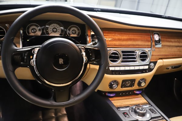 Used 2015 Rolls-Royce Wraith for sale $179,900 at Rolls-Royce Motor Cars Greenwich in Greenwich CT 06830 17