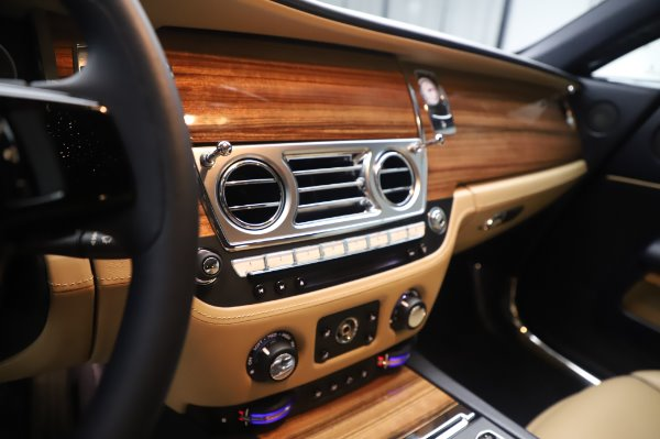 Used 2015 Rolls-Royce Wraith for sale $179,900 at Rolls-Royce Motor Cars Greenwich in Greenwich CT 06830 20