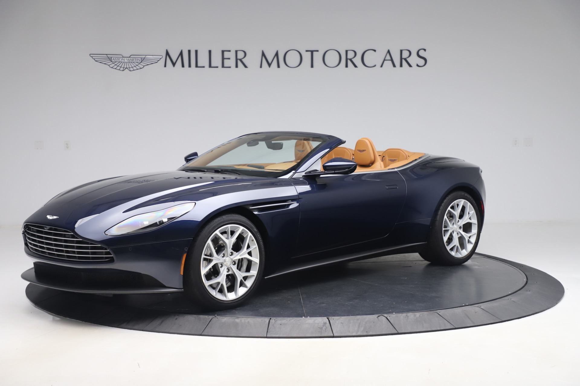 Used 2019 Aston Martin DB11 Volante Convertible for sale $209,900 at Rolls-Royce Motor Cars Greenwich in Greenwich CT 06830 1